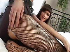 Whore in fishnets gets double penetrated part2