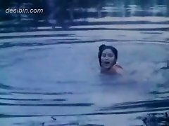 A hot masala river bath video for all desibin lovers The video is from the bgrade movie Jungle ki hasina featuring beautiful Indian actress taking bat
