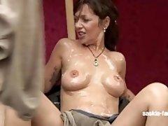Saskia Farell Bukkake-Sperma Party