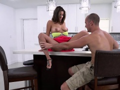 Cheating GF Mia Martinez Gets Her Pussy Eaten