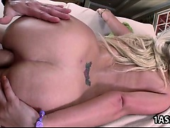 Hot ass Layla Price loves anal