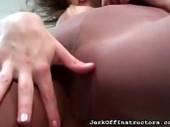 Waitress Shows Pussy Lips Under Hose