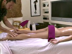 a hot and erotic masaage with the hot april o'neil