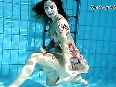 Shaved young pussy looks incredible underwater
