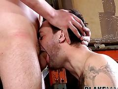 Lusty guy cums hands free while dick riding his fuck mate