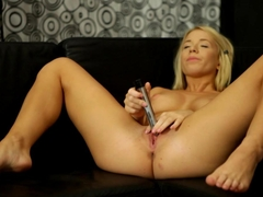 Full body orgasm for Kiara Lord