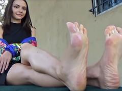 anya's sexy feet