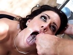 Fake boobed Jessica Jaymes drilled before messy facial.