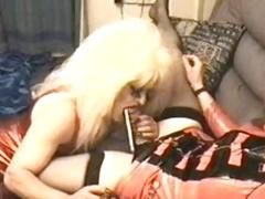 Old shemale with big hair and her friend are naughty