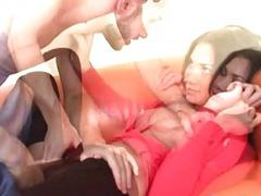 Big penis of pretty fellow stuffs her juicy hole
