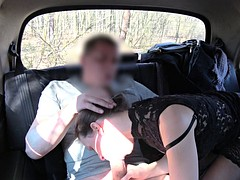 Big booty babe fucks with gake taxi driver in car