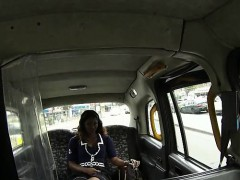 Naughty taxi driver screwed a hot black babe in the backseat