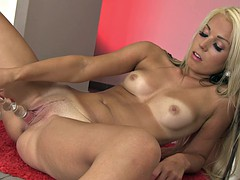 babe spreads her pink pussy with fingers