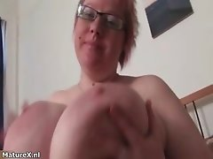 Busty fat mature babe shaking her huge part4