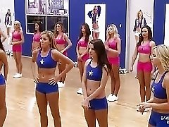 Cheerleaders doing the famous split