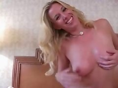 Taylor Lynn - Handjob by a hottie