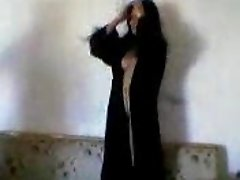 arabic girl striping great body2