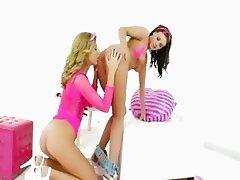 sleek lesbians anal fisting