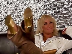 Glamorous mommas having group sex with a hunk